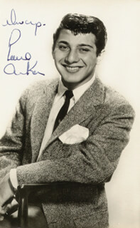 Autographs: PAUL ANKA - PICTURE POST CARD SIGNED