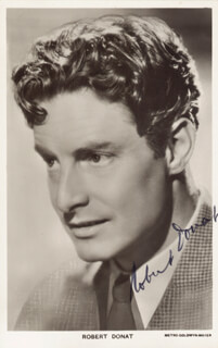 ROBERT DONAT - PICTURE POST CARD SIGNED