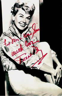 DORIS DAY - INSCRIBED PICTURE POSTCARD SIGNED