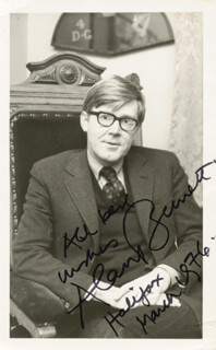 ALAN BENNETT - AUTOGRAPHED SIGNED PHOTOGRAPH 03/1976