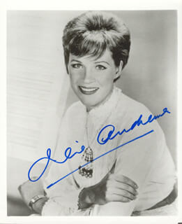 JULIE ANDREWS - AUTOGRAPHED SIGNED PHOTOGRAPH  - HFSID 159705