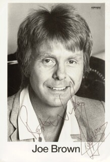 JOE BROWN - AUTOGRAPHED SIGNED PHOTOGRAPH