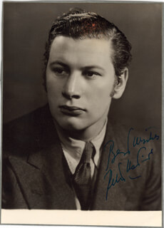 PETER USTINOV - AUTOGRAPHED SIGNED PHOTOGRAPH