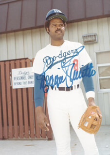 REGGIE SMITH - AUTOGRAPHED SIGNED PHOTOGRAPH
