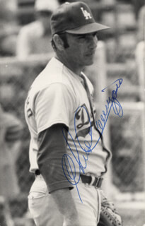 CHRIS CANNIZZARO - AUTOGRAPHED SIGNED PHOTOGRAPH
