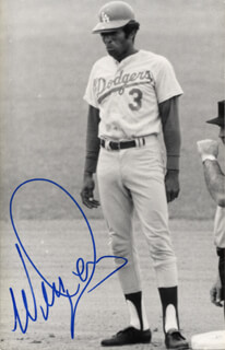 WILLIE DAVIS - PICTURE POST CARD SIGNED