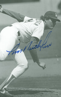 TOM NIEDENFUER - AUTOGRAPHED SIGNED PHOTOGRAPH