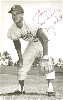 MAURY WILLS - AUTOGRAPHED INSCRIBED PHOTOGRAPH