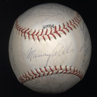 THE LOS ANGELES DODGERS - AUTOGRAPHED SIGNED BASEBALL CIRCA 1969 CO-SIGNED BY: MAURY WILLS, DON SUTTON, BILL RUSSELL, RED ADAMS, PETE MIKKELSEN, JIM BREWER, KEN BOYER, WES PARKER, AL (ALVIN O'NEAL) MCBEAN, JOE SKEETER MOELLER, BILLY BULLDOG GRABARKEWITZ, RAY LAMB, BILL SINGER, MANNY MOTA, WALTER E. SMOKEY ALSTON, JEFF TORBORG, TED SIZEMORE, JIM BUNNING, LEN GABRIELSON, ANDY KOSCO, JIM FRENCHY LEFEBVRE, CLAUDE GOMER OSTEEN