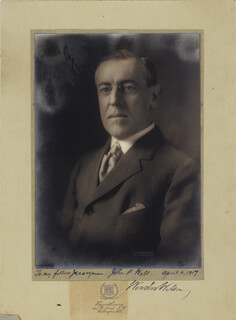 PRESIDENT WOODROW WILSON - INSCRIBED PHOTOGRAPH MOUNT SIGNED 04/06/1917