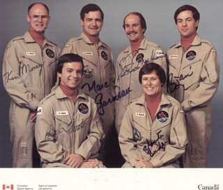 MARC GARNEAU - AUTOGRAPHED SIGNED PHOTOGRAPH CO-SIGNED BY: KEN MONEY, ROBERTA BONDAR, STEVE MacLEAN, BOB THIRSK, BJARNI TRYGGVASON