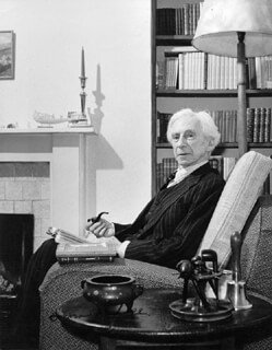 Autographs: BERTRAND RUSSELL - PHOTOGRAPH SIGNED