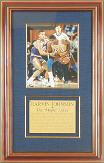 EARVIN MAGIC JOHNSON - AUTOGRAPHED SIGNED PHOTOGRAPH