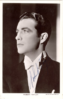 ROBERT TAYLOR - PRINTED PHOTOGRAPH SIGNED IN INK