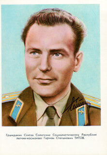 Autographs: GENERAL GHERMAN TITOV - PRINTED PHOTOGRAPH SIGNED IN INK