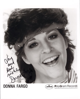 DONNA FARGO - PRINTED PHOTOGRAPH SIGNED IN INK