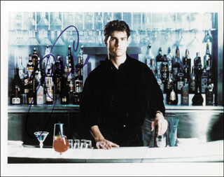 TOM CRUISE - AUTOGRAPHED SIGNED PHOTOGRAPH