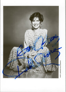 Autographs: DEBBY BOONE - PHOTOGRAPH SIGNED