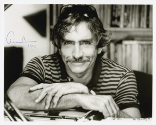 Autographs: EDWARD ALBEE - PHOTOGRAPH SIGNED 1991