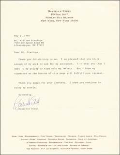 DANIELLE STEEL - TYPED LETTER SIGNED 05/02/1990