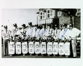 THE 1961 RYDER CUP AMERICAN TEAM - AUTOGRAPHED SIGNED PHOTOGRAPH CO-SIGNED BY: DOW FINSTERWALD, MIKE SOUCHAK, JERRY BARBER, JAY (JUNIUS) HEBERT, BILL COLLINS, GENE LITTLER, ART WALL JR., BILLY CASPER, DOUG FORD, ARNOLD PALMER