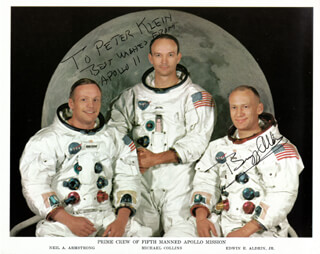 Colonel Buzz Aldrin Autographs 171982