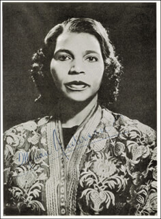 Autographs: MARIAN ANDERSON - MAGAZINE PHOTOGRAPH SIGNED