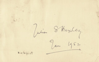 SIR JULIAN S. HUXLEY - POST CARD SIGNED 01/1952