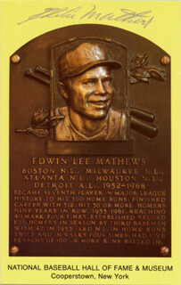 EDDIE MATHEWS - BASEBALL HALL OF FAME PLAQUE POSTCARD SIGNED