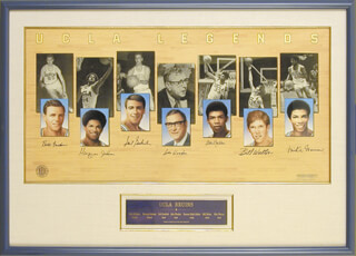 JOHN WOODEN - PRINTED ART SIGNED IN INK CO-SIGNED BY: KAREEM ABDUL-JABBAR, MICHAEL WARREN, MARQUES JOHNSON, GAIL GOODRICH, ROGER BERGENDORFF, KEITH ERICKSON, BILL WALTON