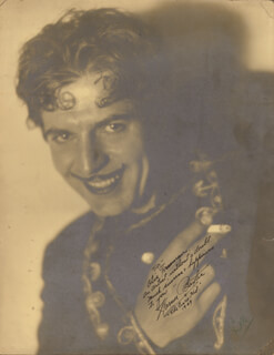 WARNER BAXTER - AUTOGRAPHED INSCRIBED PHOTOGRAPH 1929