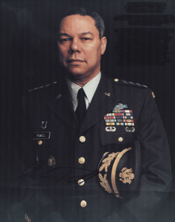 Autographs: GENERAL COLIN L. POWELL - PHOTOGRAPH SIGNED