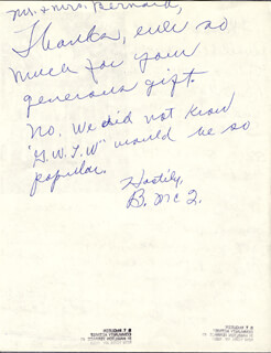 BUTTERFLY McQUEEN - AUTOGRAPH NOTE SIGNED