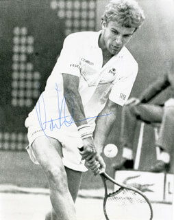 MATS WILLANDER - AUTOGRAPHED SIGNED PHOTOGRAPH