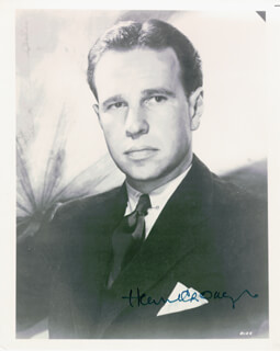 HUME CRONYN - AUTOGRAPHED SIGNED PHOTOGRAPH