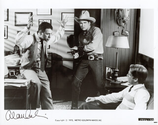 ALAN ARKIN - AUTOGRAPHED SIGNED PHOTOGRAPH
