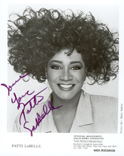 PATTI LABELLE - AUTOGRAPHED SIGNED PHOTOGRAPH