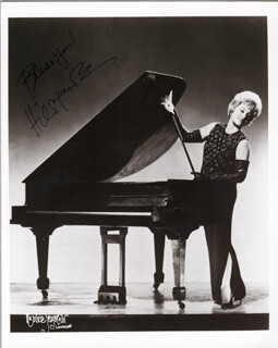 HILDEGARDE - AUTOGRAPHED SIGNED PHOTOGRAPH