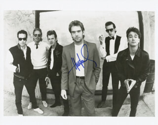 HUEY LEWIS & THE NEWS (HUEY LEWIS) - AUTOGRAPHED SIGNED PHOTOGRAPH  - HFSID 181018