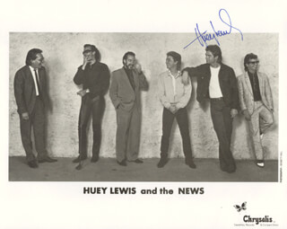 HUEY LEWIS & THE NEWS (HUEY LEWIS) - AUTOGRAPHED SIGNED PHOTOGRAPH  - HFSID 183083