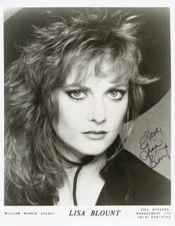 LISA BLOUNT - AUTOGRAPHED SIGNED PHOTOGRAPH