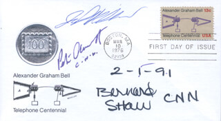 Autographs: PETER GREGG ARNETT - FIRST DAY COVER SIGNED CO-SIGNED BY: BERNARD SHAW, JOHN HOLLIMAN