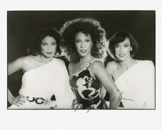 THE SUPREMES (MARY WILSON) - AUTOGRAPHED SIGNED PHOTOGRAPH