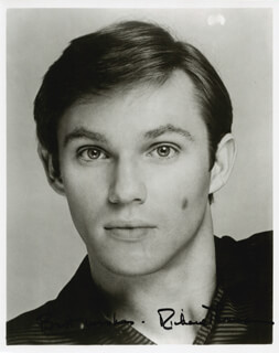 RICHARD THOMAS - AUTOGRAPHED SIGNED PHOTOGRAPH