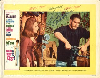 Autographs: SHIRLEY MacLAINE - LOBBY CARD SIGNED