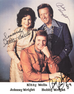 KITTY WELLS - AUTOGRAPHED SIGNED PHOTOGRAPH 1984 CO-SIGNED BY: JOHNNIE WRIGHT