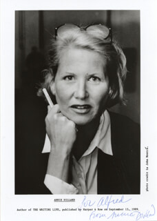 ANNIE DILLARD - AUTOGRAPHED INSCRIBED PHOTOGRAPH
