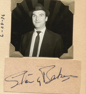 Autographs: SIR STANLEY BAKER - CLIPPED SIGNATURE
