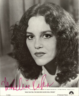 MADELINE KAHN - AUTOGRAPHED SIGNED PHOTOGRAPH