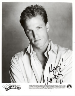WOODY HARRELSON - PRINTED PHOTOGRAPH SIGNED IN INK